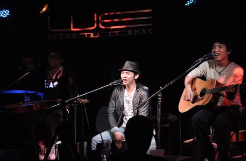 Cho Thuê Ban Nhạc Aucoustic chuyên nghiệp.